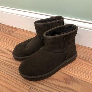 UGG Boots: Classic Mini II: Chocolate